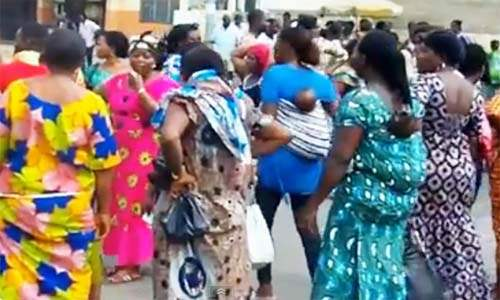 manif_commercantes_marché_lome