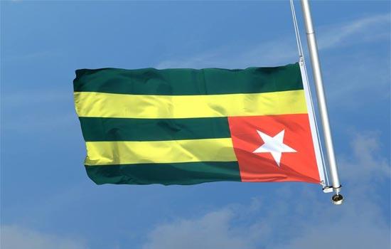 drapeau_togo_envers