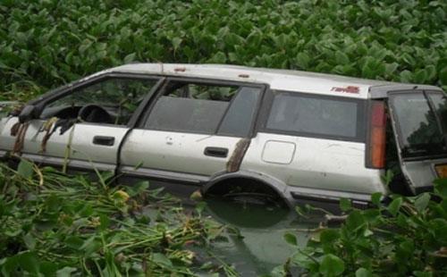 voiture_lagune_be