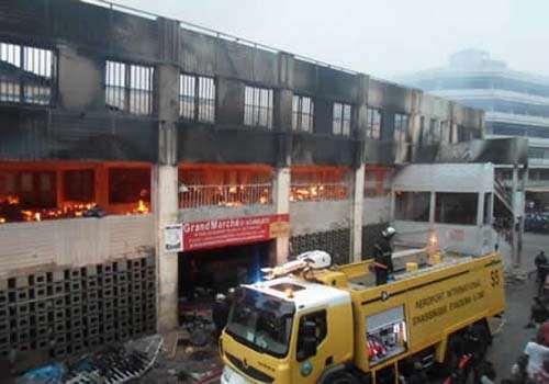 Togo, Terrorisme d'Etat : Militaires « égorgés », Incendie des marchés. Deux crimes, même mode opératoire, mêmes énigmes.