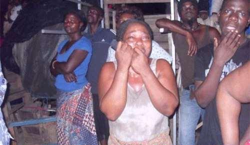 Les femmes impuissantes et en pleure lors de l'incendie du grand marché de Lomé