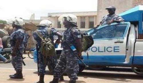 photo illustration : Police togolaise