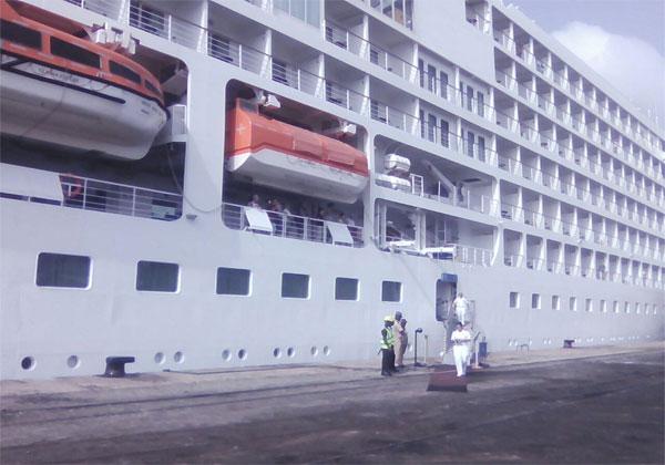 bateau_touriste_us