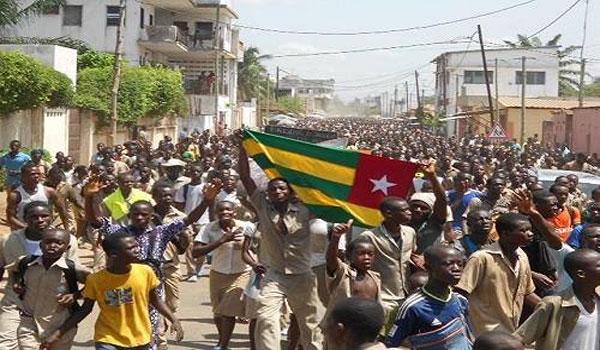 Togo – Les élèves menacent de marcher sur la présidence
