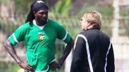 Adebayor : 'j'aimerais bien aider mon pays à gagner le match contre l'Algérie'