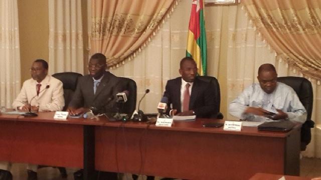 Crise togolaise : le gouvernement ne prie que pour le dialogue