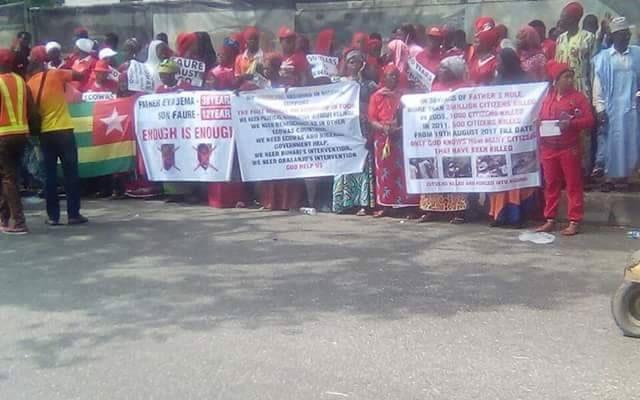 Nigeria : la diaspora togolaise manifeste au Sommet de la CEDEAO contre Faure Gnassingbé