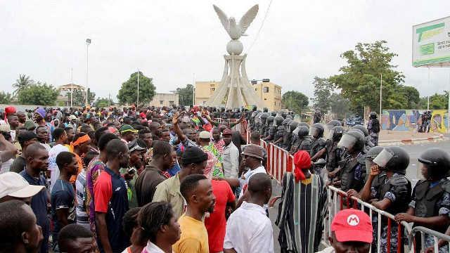 Révolution Togolaise : Le Tour de Garde.