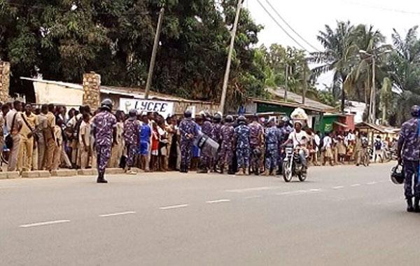 Togo/Dapaong et Kpalimé : les élèves envahissent les rues