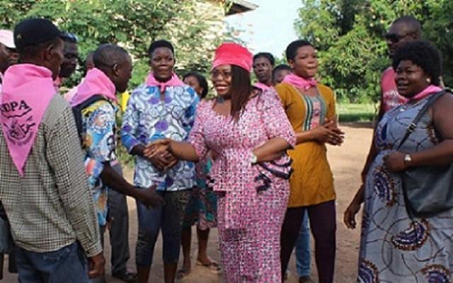 Tournée de la CDPA dans l'Ogou : Mme Brigitte Adjamagbo-Johnson mobilise les populations