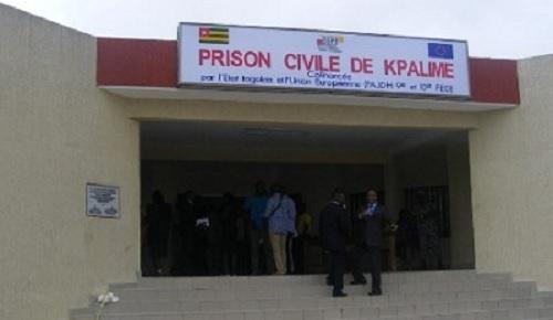 Togo : Des agents de l'administration pénitentiaire déférés en prison pour torture
