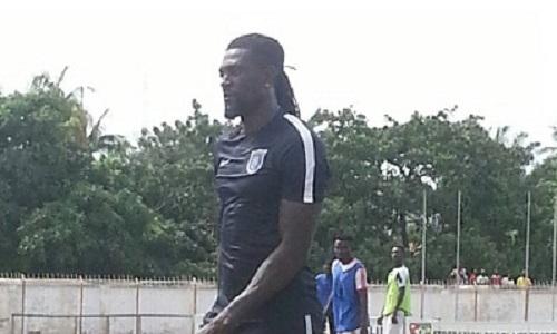 Togo : Emmanuel Adébayor se met en forme avec Gomido