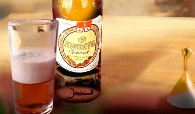 Danger mortel dans les bouteilles: un scorpion en décomposition découvert dans une bouteille Awooyo