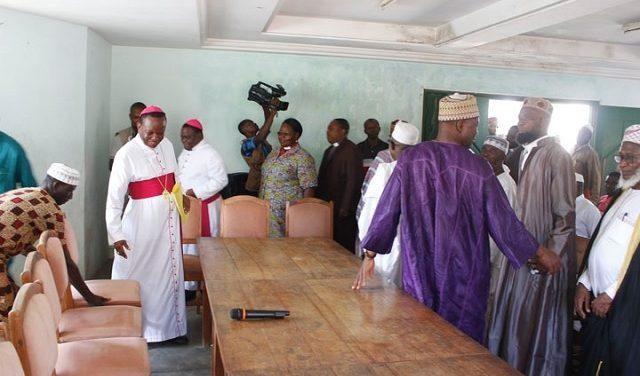 Au Togo, les attaques contre les mosquées resserrent les liens