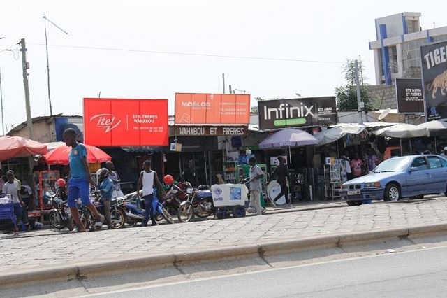 Togo, Lomé : Déckon, le milieu de toutes les incommodités