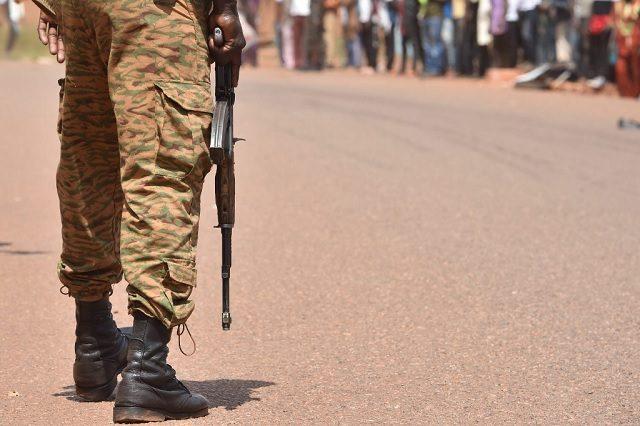Un soldat au Burkina Faso en octobre 2018. - ISSOUF SANOGO / AFP