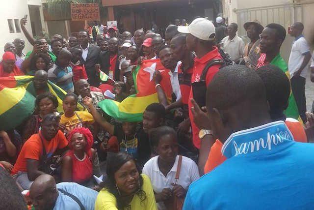 Des membres de la diaspora togolaise en Côte d'Ivoire lors d'une manifestation anti-Faure Gnassingbé – RPT/UNIR à Abidjan le 19 novembre 2019 | Photo : DR/FB