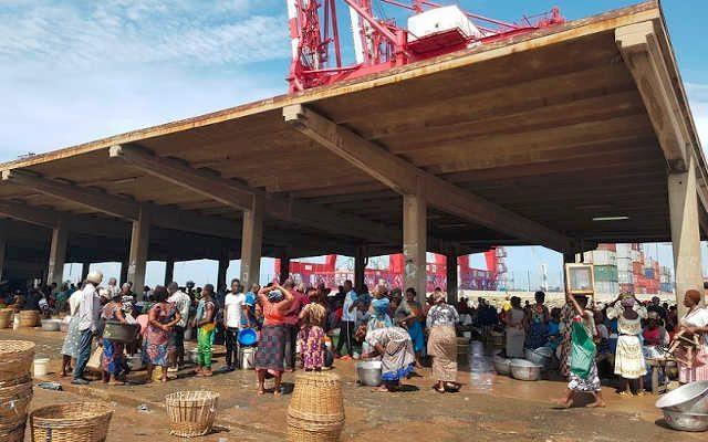 Les femmes au Port de Pêche de Lomé   Photo : TogoTopNews