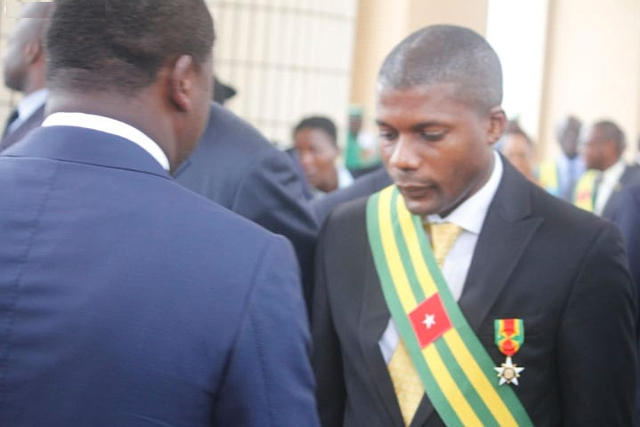 Faure Gnassingbé (dos) et son boy de l'UFC Sena Alipui | Photo :DR