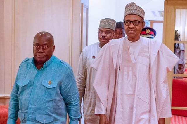Les présidents ghanéen Addo Akufo Addo (g) et nigérian Muhamadu Buhari