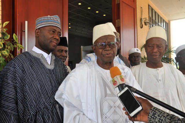 Imoussa Bouraima (c) et sa bande de l'Union Musulmane du Togo (UMT) | Photo : RT