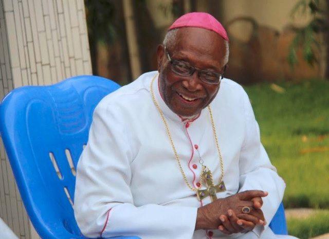 Monseigneur Philippe Kpodzro, archevêque émérite de Lomé, défend une candidature unique de l'opposition à la présidentielle togolaise du 22 février 2020 | Photo : Equipe de Mgr Kpodzro